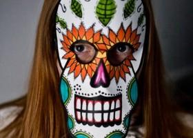 Cách làm mặt nạ halloween đơn giản bằng giấy