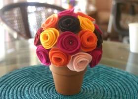 Chậu hoa xinh trang trí phòng từ vải nỉ