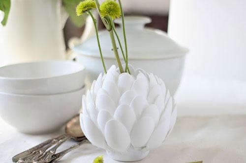 cách làm hoa sen bằng thìa nhựa bước 4