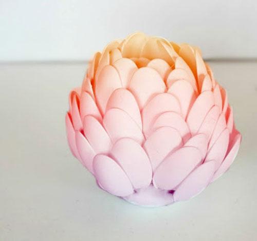 cách làm hoa sen bằng thìa nhựa bước 6