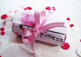 Hộp quà lung linh từ lõi giấy vệ sinh