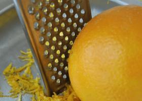 Cách lấy tinh dầu từ vỏ cam tại nhà