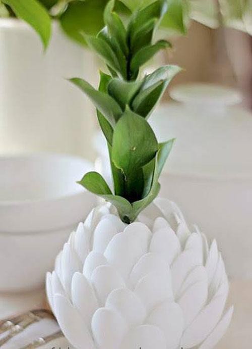 cách làm hoa sen bằng thìa nhựa bước 5