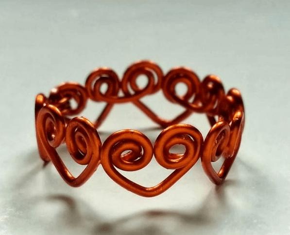 làm nhẫn đeo tay