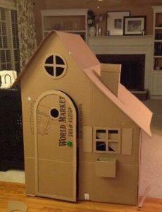 làm nhà bằng bìa cát tông
