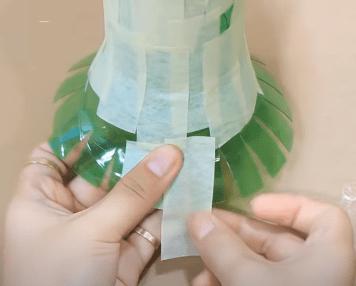 Cách làm bình hoa bằng chai nhựa